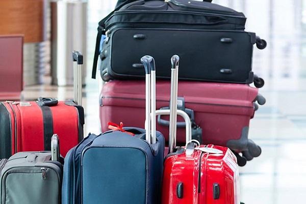 Σύζυγος εφοπλιστή: «Είστε χούντα, που να πάω τις 8 βαλίτσες;» – Αστυνομικός «Υπάρχει λύση, σύλληψη, κρατητήριο, 5.000 ευρώ πρόστιμο….»