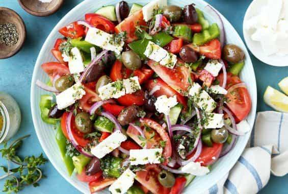 Ελληνική Σαλάτα: Τα 12 μυστικά για μια νόστιμη χωριάτικη σαλάτα
